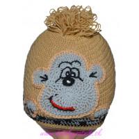 Detská háčkovaná čiapka s opičkou hnedá