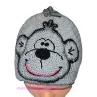Detská háčkovaná čiapka s opičkou šedá