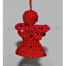 Červený háčkovaný anjelik